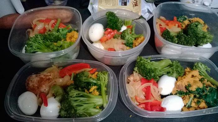Лотки с едой для питания по системе