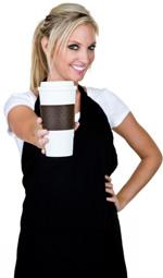Девушка дает кофе