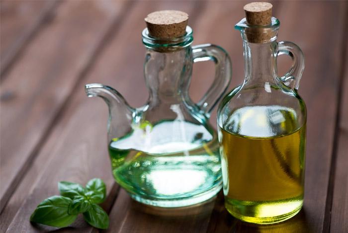 оливковое масло в бутылочках