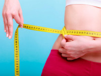 Как убрать жир с нижней части живота и боков
