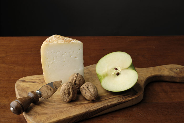 cheese-apple-board