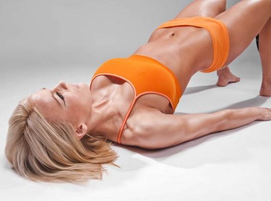 Упражнения от сутулости - мостик