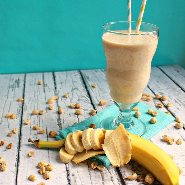 Банановый коктейль с арахисовым маслом для похудения