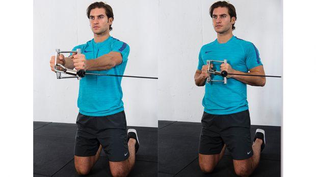 Пресс на коленях с эластичными лентами