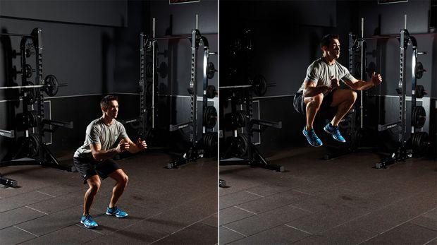 Прыжки с подтягиванием ног