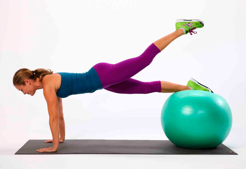 Фитбол аэробика. Польза и базовые упражнения. Мячи и особенности