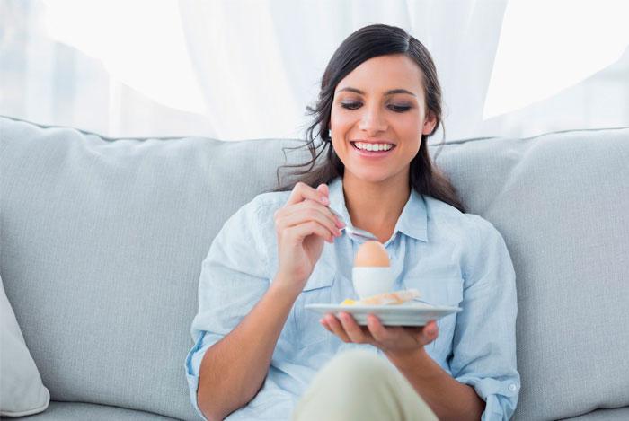 Можно ли есть яблоки на ночь, польза и вред при диете и похудении