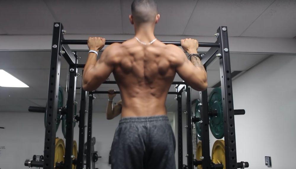 Развитые мышцы спины